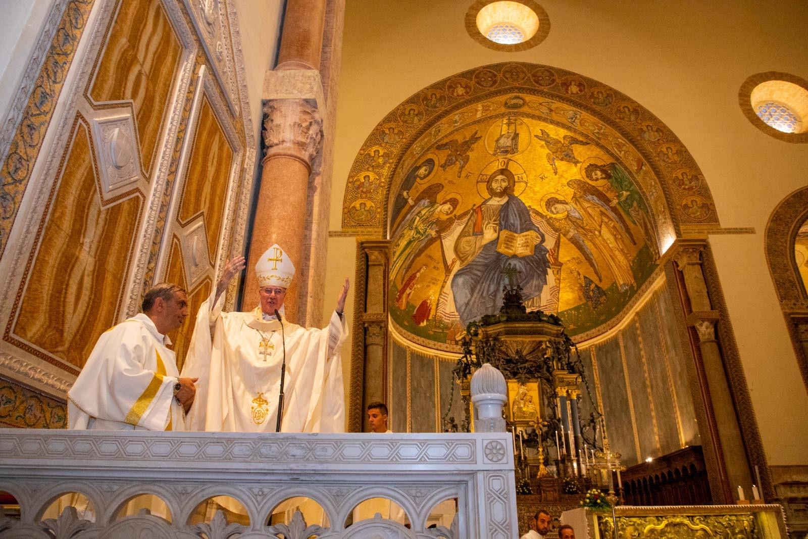 9.93 - La benedizione di Mons. Di Pietro